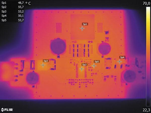Измерение температуры верхнего слоя печатной платы блока питания