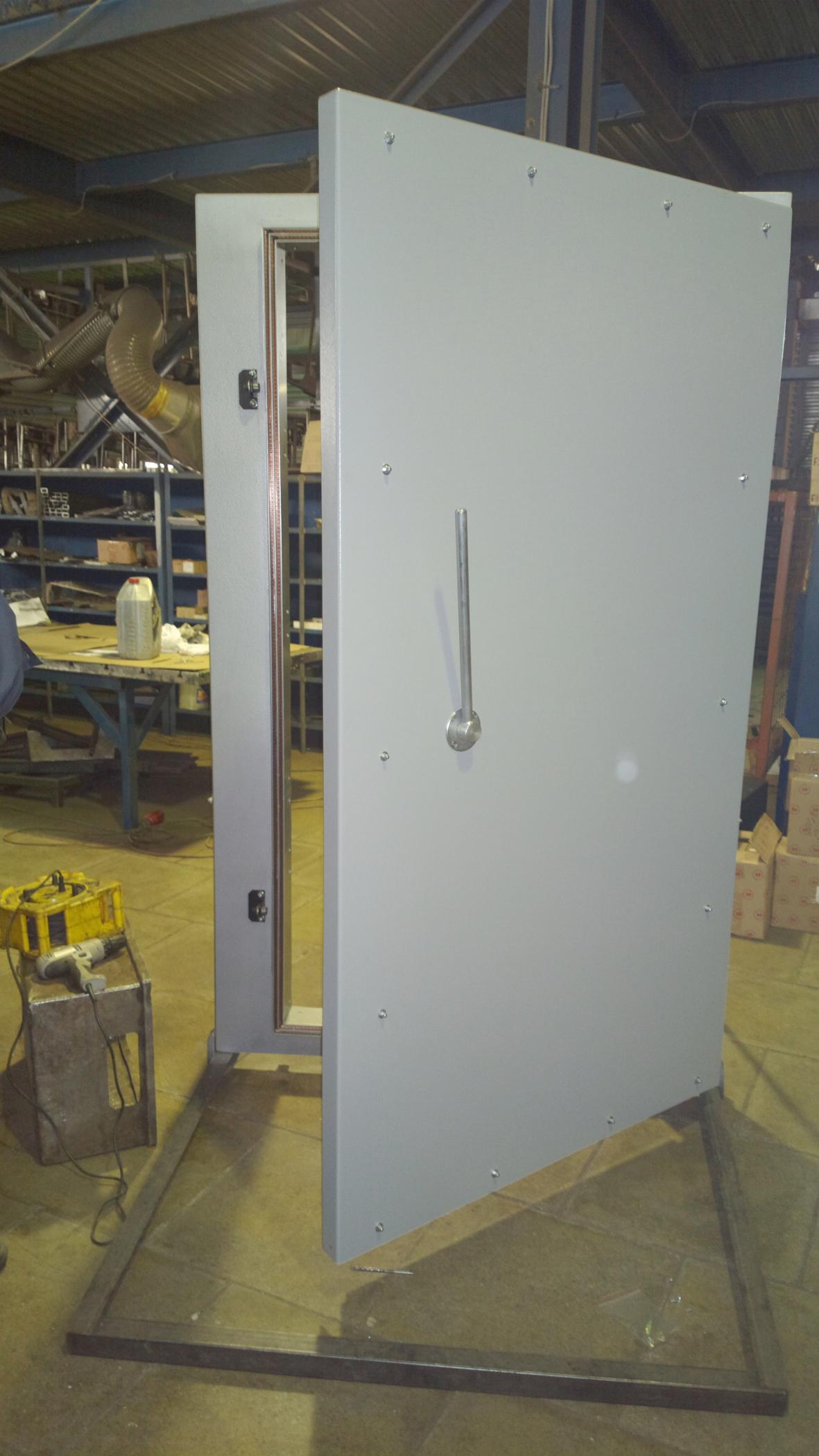 Дверь для экранированных и безэховых камер